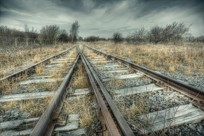 along_the_tracks_1_b
